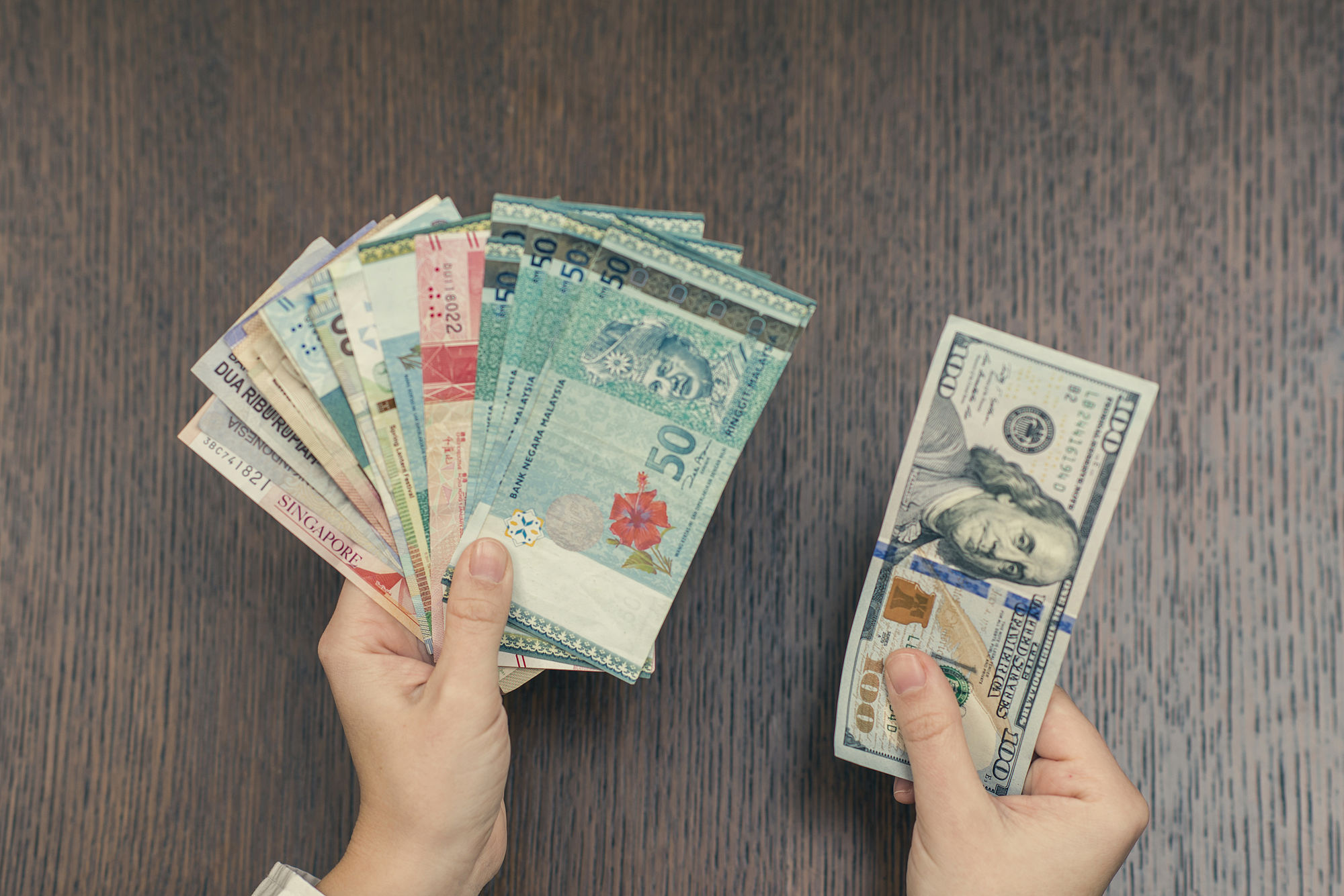 Currency exchange, US dollars, dollars américains, best exchange rate, meilleur taux de change